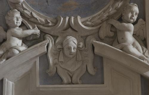 12 Stucchi della chiesa dei SS. Bernardo e Brigida (dell'ambiente intorno a Bernardino Quadri o  a Carlo Casella)