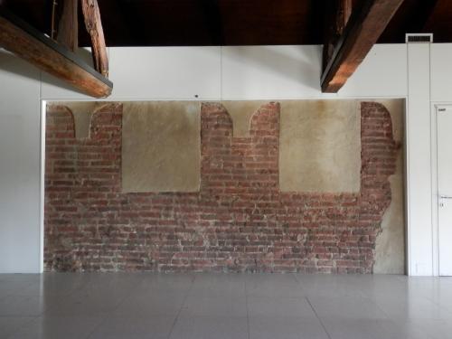 6 Castello di Lucento: merlatura originale