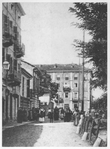 31 Tetti di Lucento. Strada di Lucento ora C.so Lombardia